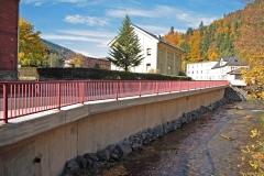 Stützwand an der Steinach in Steinach